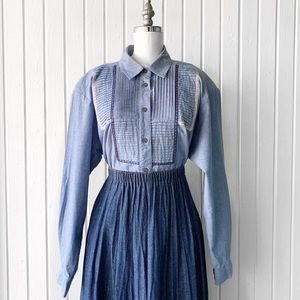Vintage 90s Chambray Cottage Core Floral Top